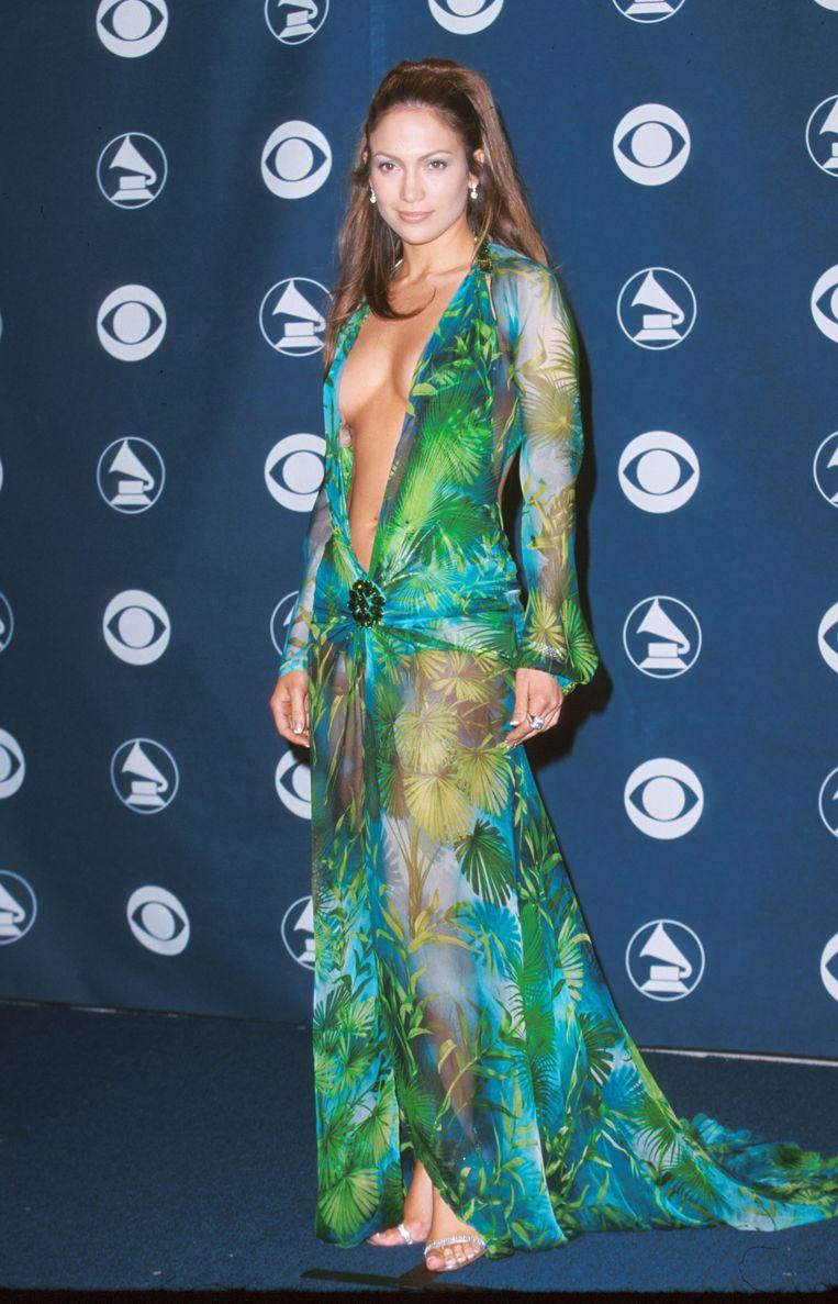 Jennifer Lopez in de 'originele' jurk twintig jaar geleden. Beeld WireImage