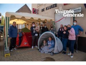 """Klanten slaan letterlijk tenten op aan terras stamcafé: """"We willen zaterdag de eerste zijn"""""""