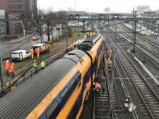 Dubbeldekker naast rails in Zwolle: Hoe makkelijk ontspoort een trein eigenlijk?