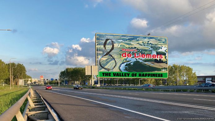 Een welkomstbord, ontworpen door Hope XXL. De stichting wil dit bord langs snelweg A12 plaatsen, zodra het wetenschappelijk onderzoek met de VU is afgerond.
