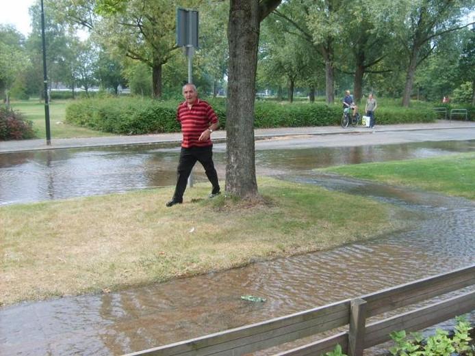 De Waalstraat tijdens de wateroverlast in augustus.