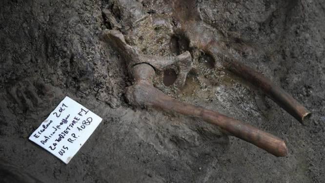 """Slachtoffer van uitbarsting Vesuvius ontdekt bij opgravingen in Herculaneum: """"Sensationele vondst"""""""
