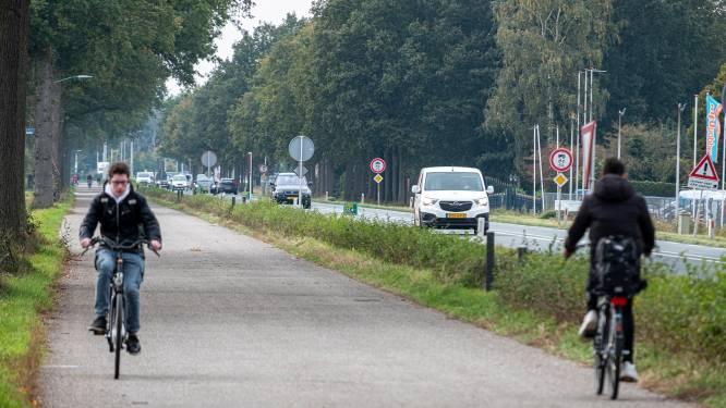 Na dodelijk ongeluk op de ventweg in Sint Anthonis rijst de vraag: waar op de weg moet het landbouwverkeer rijden?