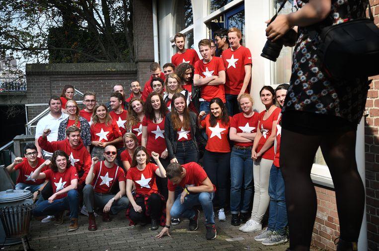 Jongeren van Rood, de jongerenafdeling van de SP. Beeld Hollandse Hoogte / Marcel van den Bergh