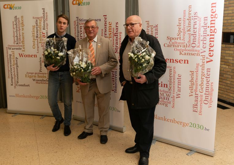 Arnold Van Eeghem (m) blijft voorzitter van CD&V Blankenberge. Hij wordt geflankeerd door Tim Dierickx en Marc Dhondt.