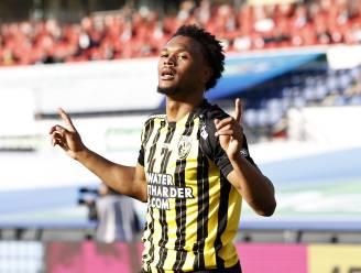 Football Talk. KV Mechelen heeft Kameroense middenvelder beet - Openda blijft langer bij Club, dat hem opnieuw uitleent