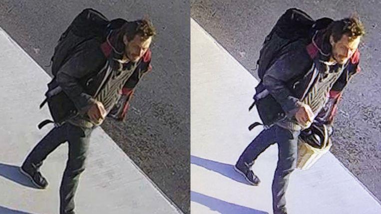 Dader Steve Bakelmans wandelt  weg van de plaats van de moord. De politiediensten fotoshopten voor het opsporingsbericht de fietsmand weg. Toen heette het nog dat de man gezocht werd als 'getuige'. Beeld Federale Politie
