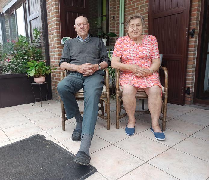 Joël (88) hield op wat kneuzingen en blauwe plekken na niet ernstigs over aan de overval. Georgette (83) had wel een hoofdwonde.