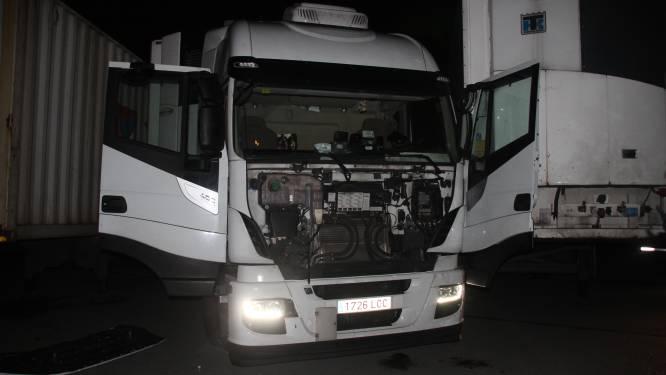 Truckster (23) rijdt eigen echtgenoot aan op LAR: maand rijverbod en boete