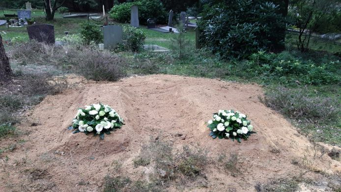 De plek waar de botresten van negentig mensen begraven zijn op begraafplaats Heiderust in Rheden.