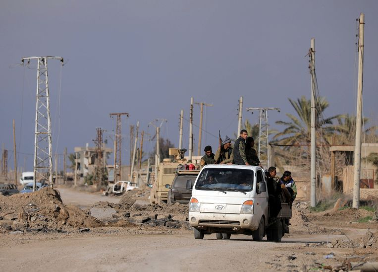 SDF-strijders in Baghouz afgelopen weekend. Beeld REUTERS