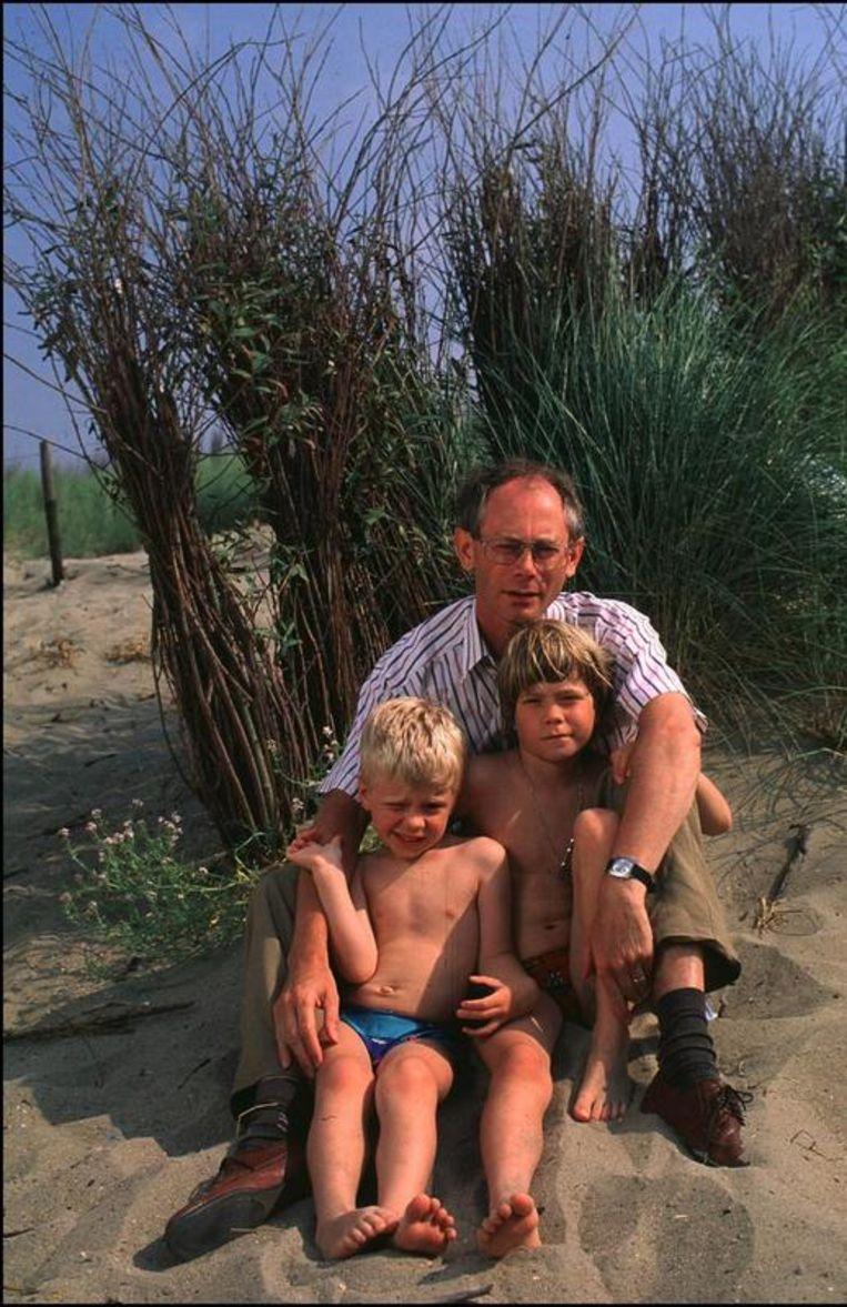 Op vakantie met twee van zijn vier kinderen in 1991. Beeld UNKNOWN