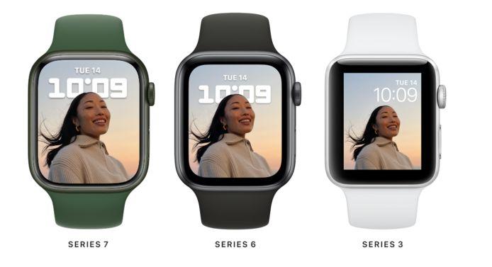 De Series 7 (links) heeft een groter scherm en dus dunnere randen.