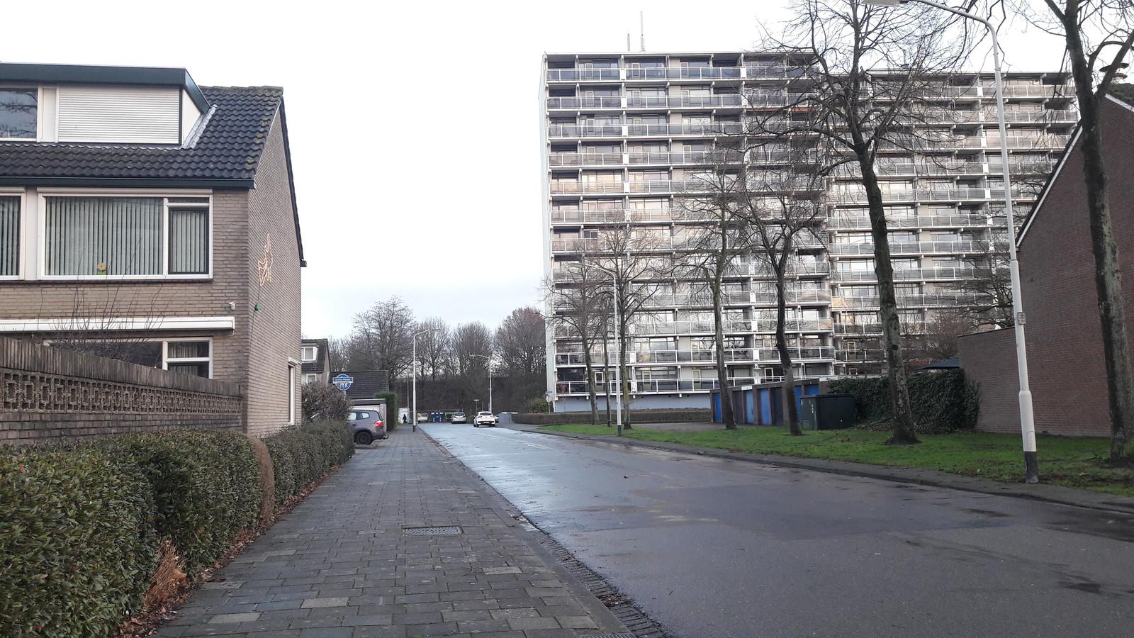 Wijk Heusdenhout in Breda, wijkbewoners kunnen zich uitspreken in enquete, onder meer over weinig sociale controle en slecht verlichte parkeerplekken.
