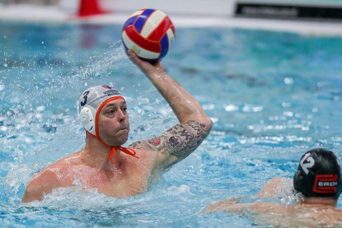 Een vertrouwd beeld in zwembad 't Timpke: Jeroen Kuilman in actie voor de Borculose eredivisionist.