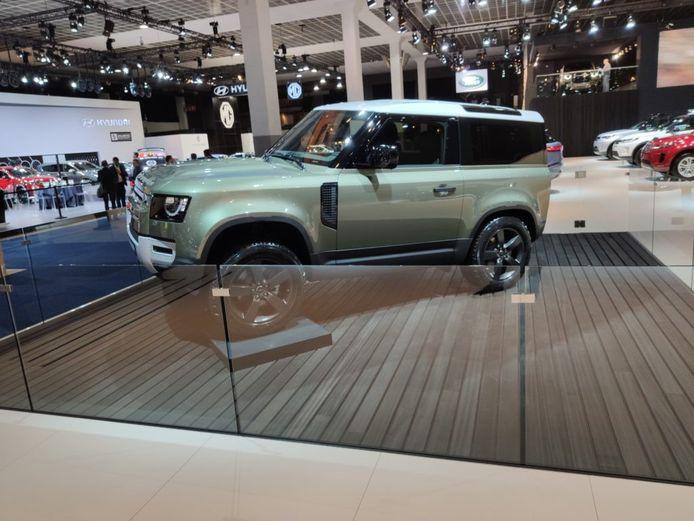 De nieuwe Land Rover Defender, vorig jaar op het autosalon van Brussel.