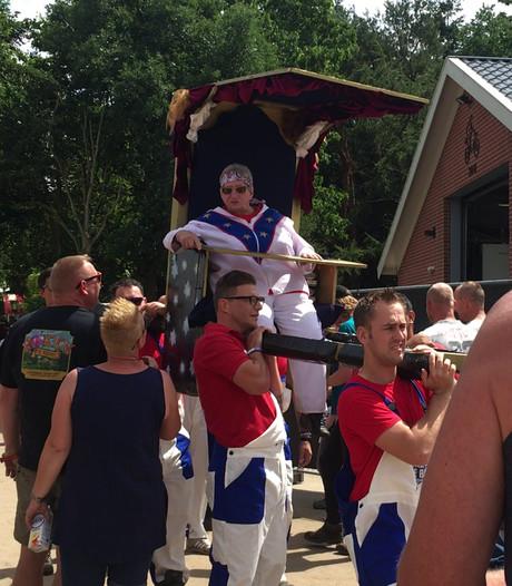 Festivalbaas Tante Rikie nog altijd op handen gedragen