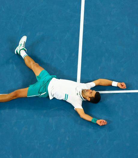 Djokovic hijgt Nadal en Federer in de nek na negende titel bij de Australian Open