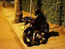 Taxi ziet scooterrijder over het hoofd in Bemmel