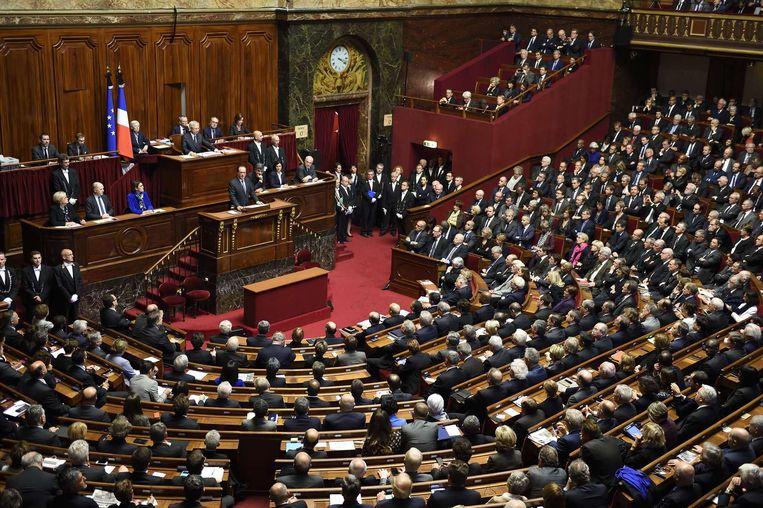 Franse politieke partijen zijn georganiseerd rond chefs: Juppé en Sarkozy zijn als moderne hertogen bij de Republikeinen. Beeld AFP