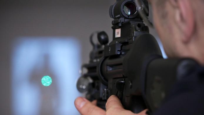 Volgens de politie heeft de inzet van mitrailleurs vooral een preventief doel