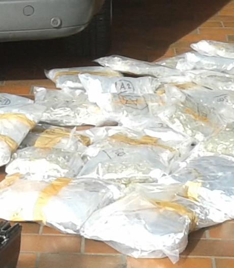 Oostenrijkse politie vindt postpakketjes met Nederlandse drugs