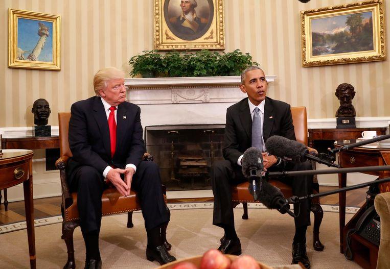Trump tijdens zijn eerste bezoek aan het Witte Huis. Grote vraag is of hij na 20 januari, als hij president is, zijn tegenstanders zal blijven aanvallen op Twitter. Beeld AP