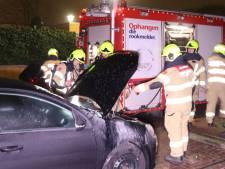Twee auto's mogelijk in brand gestoken in Ede
