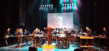 Dirigent in Speelhuis in Helmond: 'Zoveel instrumenten bij elkaar is echt uniek'