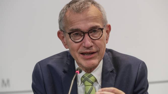 Minister Vandenbroucke ziet in verplichte ventilatie ook oplossing voor scholen en wil derde prik in woonzorgcentra