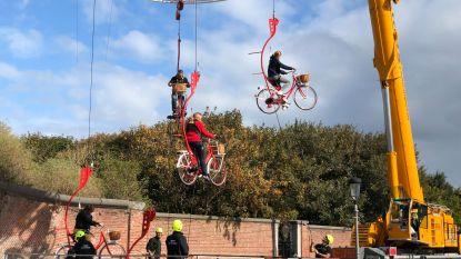 Bezoekers Open monumentendag op ontdekking langs de zeedijk, te voet én in de lucht