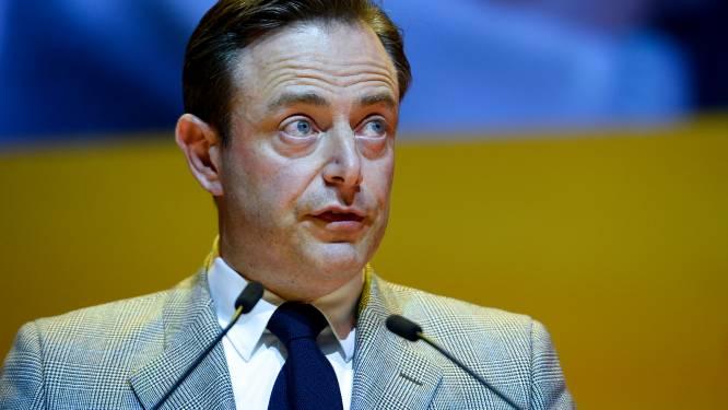 """De Wever is back: """"Francken heeft geen fouten gemaakt"""""""