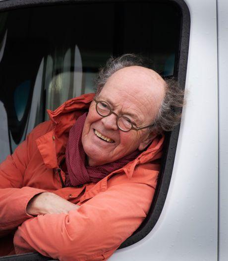 Jaap is chauffeur van de Op-en-Neerijnenbus: 'Je weet dat je soms de enige bent die aanbelt'