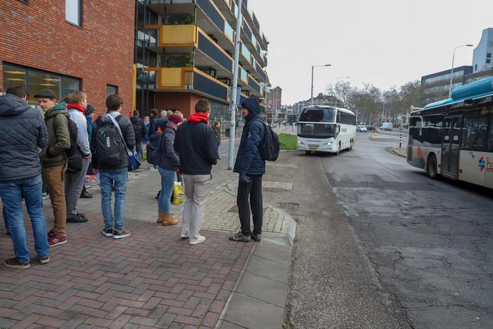 Busvervoer vanaf Nijmegen naar Den Haag.