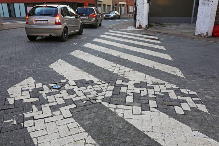 Het zebrapad op de hoek van de Statiestraat en de Prieelstraat