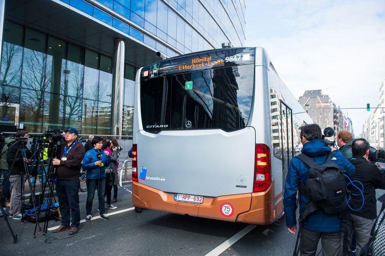 Een MIVB-bus in de Wetstraat. Beeld BELGA