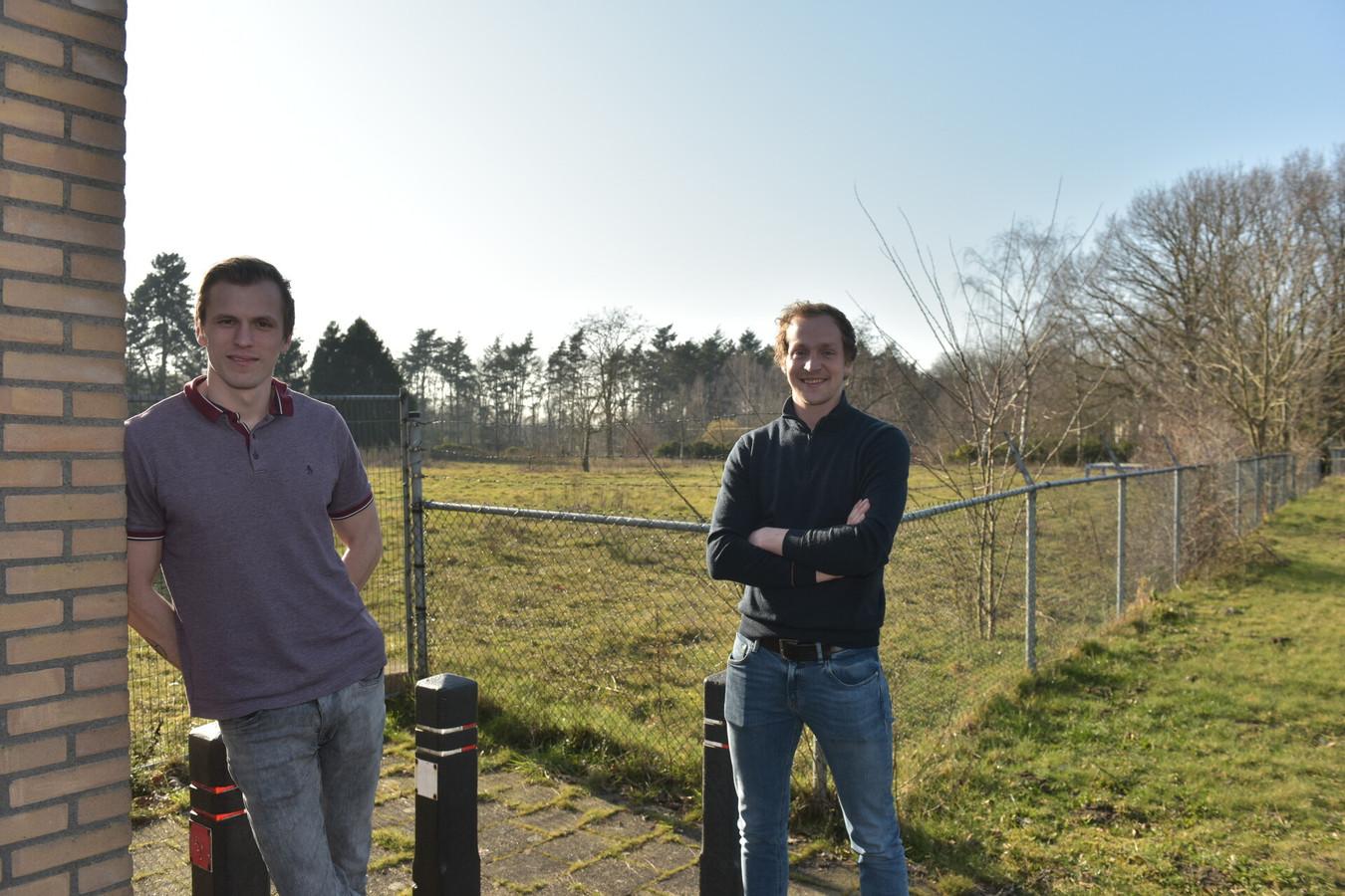 Rik van der Wielen (links) en Quinten van der Sande van Jongeren In Nood in Bladel