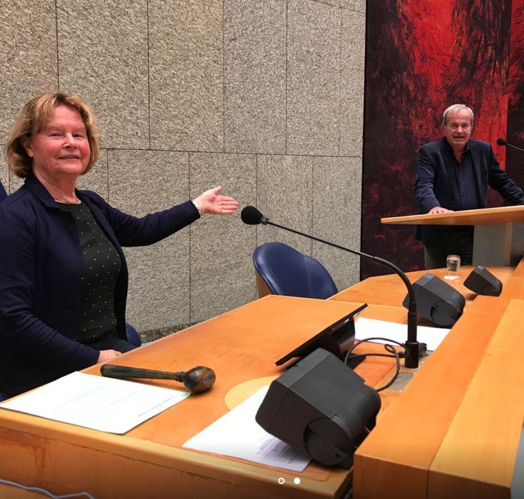 Met echtgenote in de Tweede Kamer.  Beeld Foto Henk Krol/50Plus