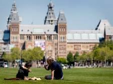 Onderzoek: Amsterdammers volgen maatregelen, behalve handen wassen