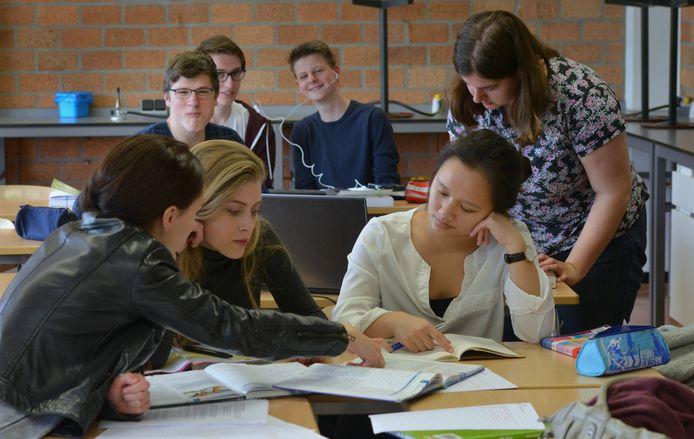 Leerlingen van het RSG Lingecollege in Tiel