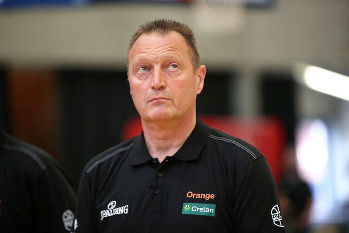 Bondscoach Philip Mestdagh beleefde een stresserend weekend vlak voor het EK dat donderdag in Straatsburg begint voor de Belgian Cats.