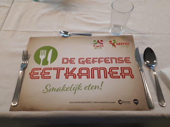 De Geffense Eetkamer is de hele week open, behalve op zon- en feestdagen. Vrijwilligers serveren de gerechten die door de Smaakhelden uit Rosmalen worden bereid. Bijtijds reserveren is noodzakelijk.