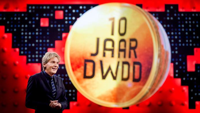 10 jaar de wereld draait door doe de dwdd quiz show
