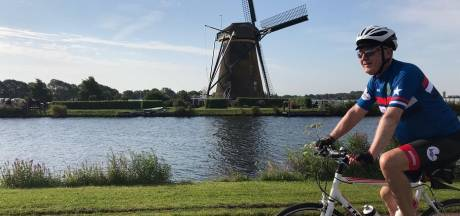 Amerikaanse ambassadeur doet rondje Nederland per fiets: 'We gaan echte vrienden zien'