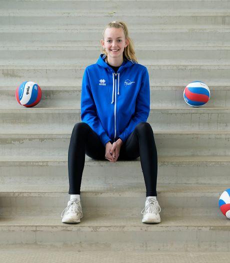 Volleybalster Denise gaat na een bijzonder jaar met Sliedrecht Sport op jacht naar de landstitel