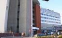 de voorkant van de St. Elizabeth Ziekenhuis in Herentals
