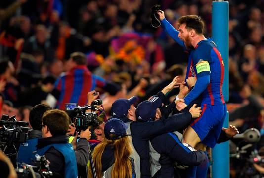 Lionel Messi gaat compleet uit zijn dak na het laatste fluitsignaal!