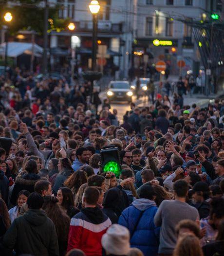 LIVE | Spanjaarden feesten vanwege einde avondklok; coronabenefiet brengt 302 miljoen dollar op