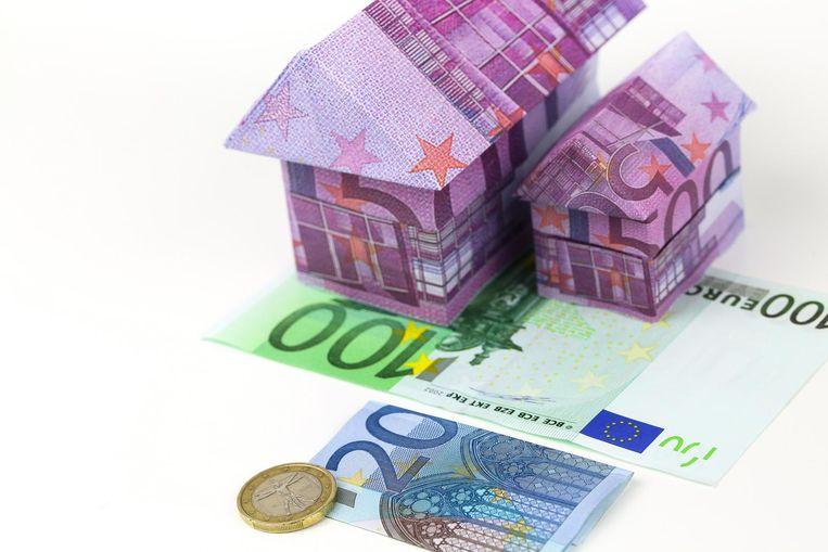 België is een van de weinige landen ter wereld waar vastgoed op de heel lange termijn, sinds 1900, beter scoort dan aandelen. Wie begin vorige eeuw 1 euro investeerde in een Belgisch huis, zag de waarde daarvan 309 keer toenemen.