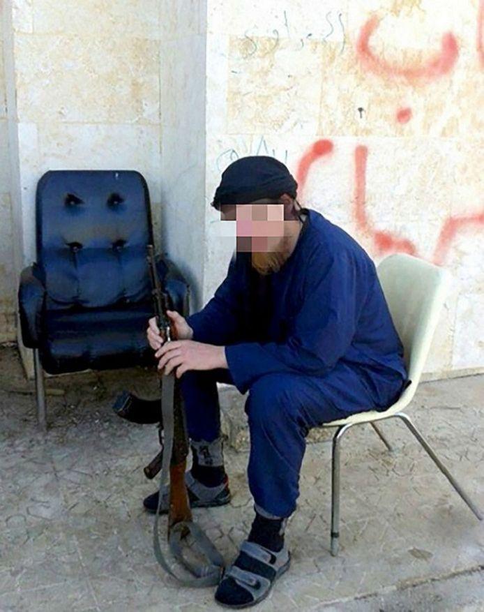 Jihadist Victor D. denkt erover terug te keren naar Nederland.